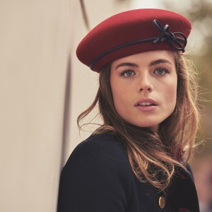 Red blocked French beret with leather band