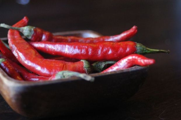 Homemade sriracha | Clean : : the LuSa Organics Blog