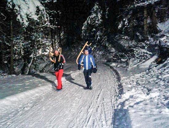 Rodeln auf der Naturrodelbahn Bachtal bei der RachKuchl am Vomperberg