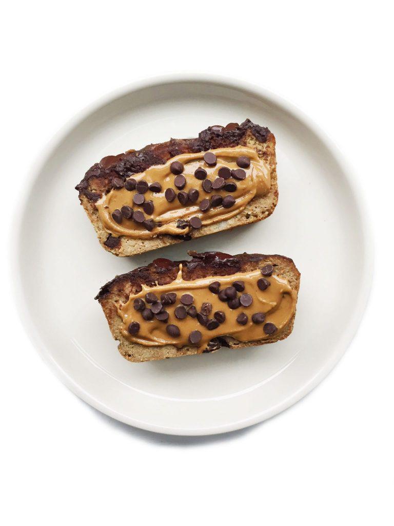 Paleo Chocolate Chip Banana Bread (nut, gluten & grain-free) by rachLmansfield