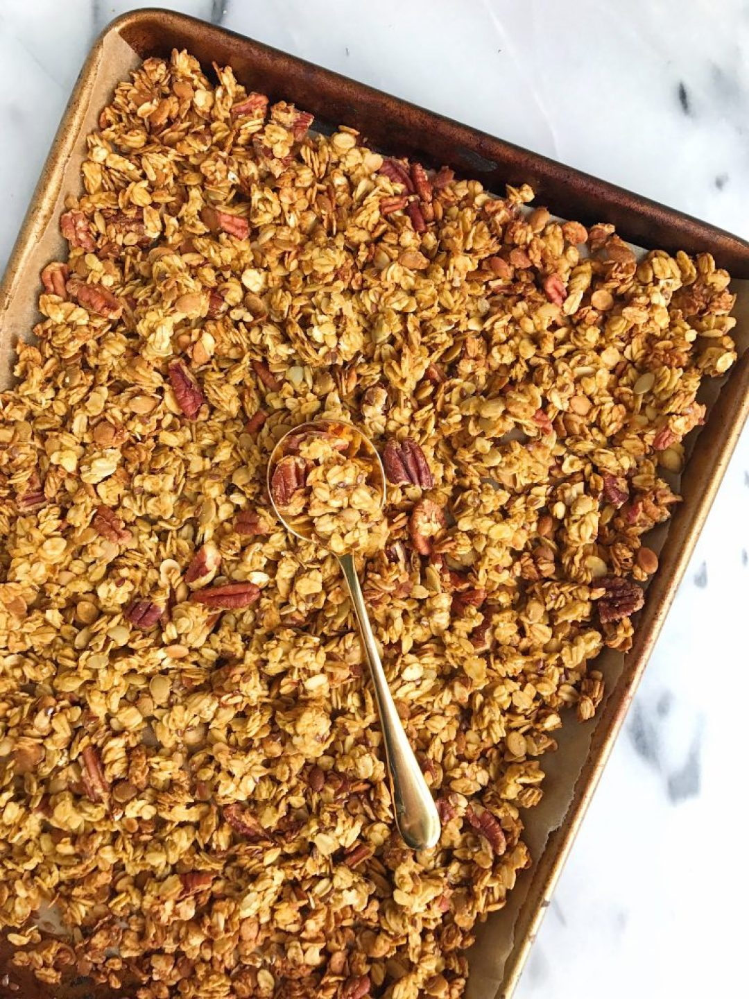 Crunchy Nutty Pumpkin Pie Granola for an easy gluten-free and vegan granola!