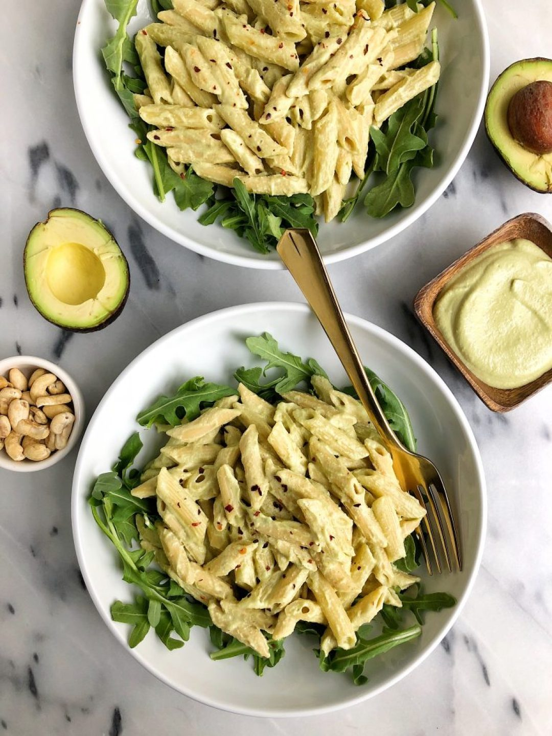 Green Goddess Mac & Cheese made with healthy and simple ingredients including nourishing bone broth, plus there is not dairy or gluten in this dreamy mac & cheese!