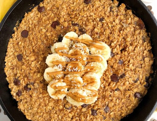 Dark Chocolate Banana Bread Baked Oatmeal made with gluten-free, dairy-free ingredients for an easy and delicious homemade oatmeal bake! Plus there's a boost of collagen peptides for added nutrients and protein.