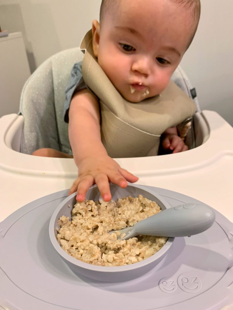 How to Make Oatmeal for Babies (so easy!)