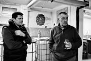 Dušan Žitný sa stal nedávno novým predsedom račianskeho vinohradníckeho spolku. Na zábere s Jozefom Mórikom z račianskeho spolku. Foto: Marcel Rebro