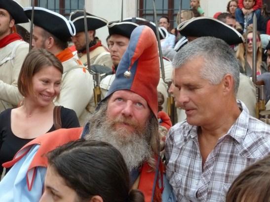 Šašo debatuje s režisérom Pavlom Barabášom, inak tiež obyvateľom Rače.