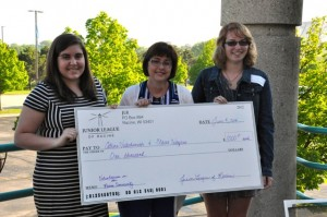Claire Weyers Receives scholarship from Junior League of Racine