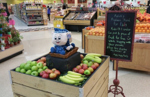 Free fruit for kids Malicki's Piggly Wiggly