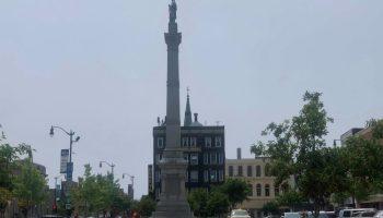 Racine downtown, Monument Square