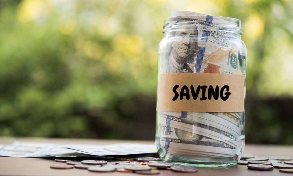 Best Ways to Save Money While on Your Own