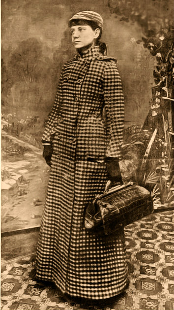 Nellie Bly with her satchel.