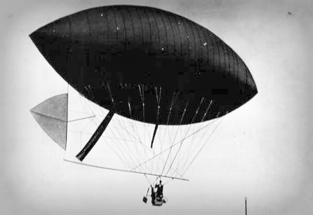 Santos Dumont Dirigible No. 3. Photo: Wikipedia.