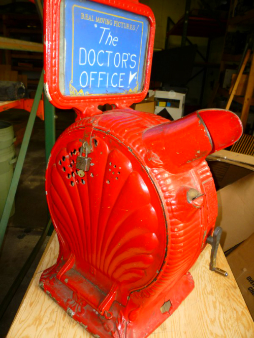 """Mutoscope: Clamshell. """"The Doctor's Office."""""""