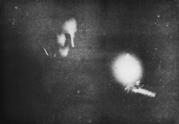 Victorian Selfies, Mark Twain in Nikola Tesla Lab, 1894. Image: Century Magazine.