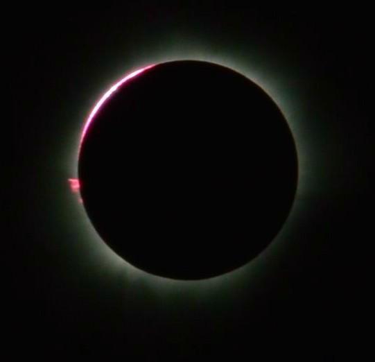 Total Solar Eclipse, 9 March 2016,_from_Balikpapan, East Kalimantan, Indonesia. Image: Ezagren.