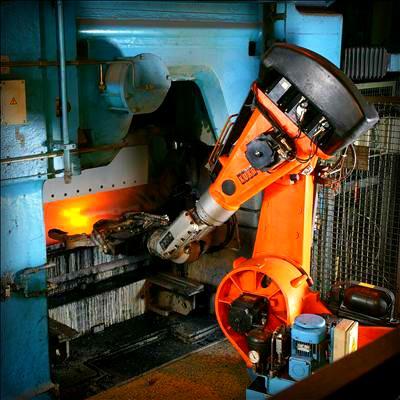 Foundry Robot. Image: KUKA Roboter GmbH, Bachmann.