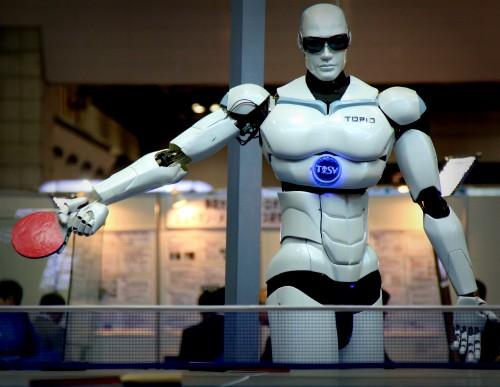 TOPIO, Ping Pong Robot. Image: Humanrobo.
