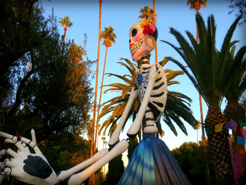 Catrina Skull: Hollywood Cemetery, Day of the Dead. Image: B. Rose Media.