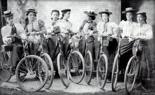 Ladies Camera-Cycling Club, 1899. Image: OldBike.eu.