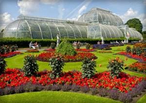 Kew Gardens, Palm House. Image: Daniel Case; Wikipedia.