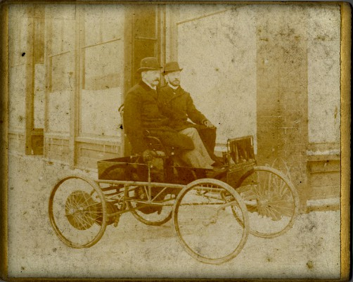 First American Car Race: Morris-Salom Electric Wagon Image: Wikimedia.