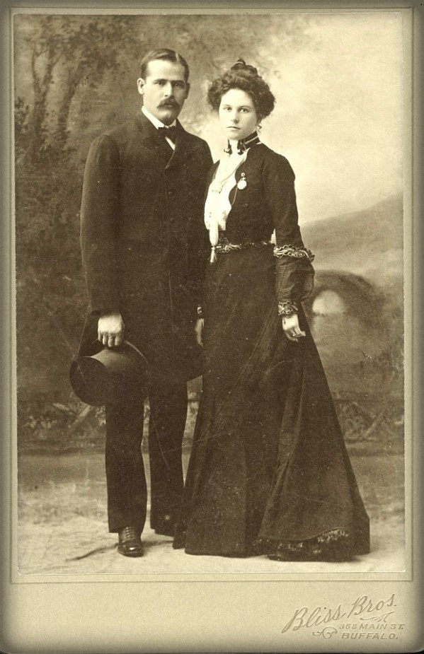 Harry Longabaugh-Sundance Kid with Etta Place; Pinkerton Longtime Case. Image: Library of Congress.