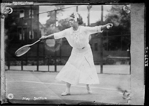 May Sutton, 1910-15. Image: Wikipedia.