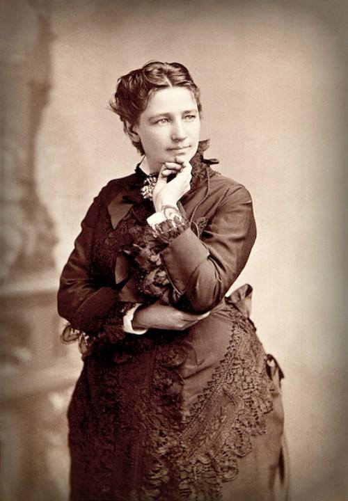 Victoria Woodhull by Bradley & Rulofson. Image: Wikipedia.