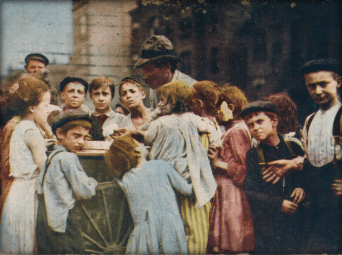 Ice Cream Man in Chicago Ghetto, 1909. Image: Wikipedia.