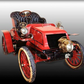 Horatio Jackson's Red Winton open air automobile, 1903. Image: National Museum of American History.