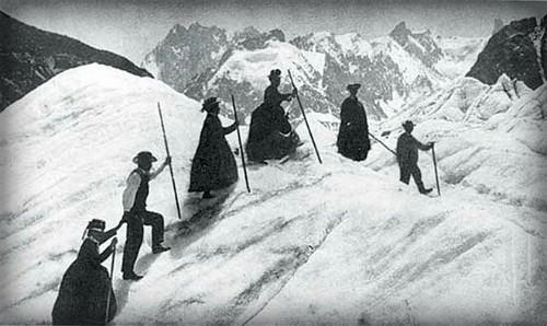 Mountain climbers, circa 1890. Image: Library of Congress.
