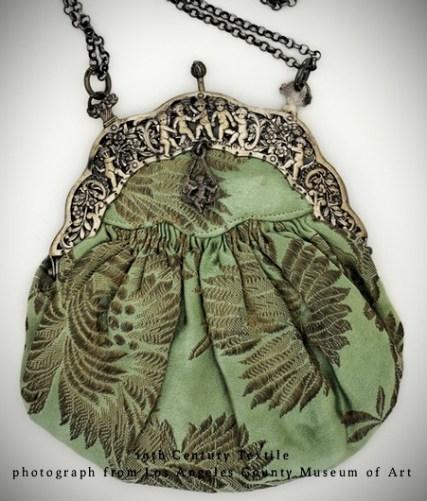 Green Kiss Clasp Tear-Drop Shaped Victorian Fern Decor Textile Purse. Image: LACMA/Tiny Green Gardens.com.