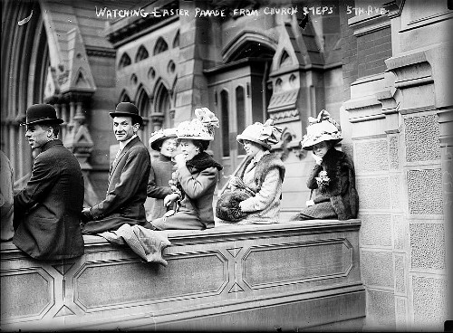 Watching Easter Parade From 5th Ave. Church Steps, 1900. Image: Library of Congress.