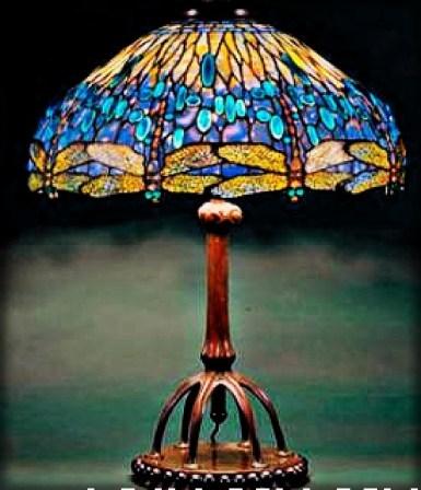 Dragonfly Lamp, 1905-6. Image: New York Historical Society/Gift Dr. Egon Neustadt.