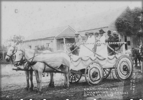 Juneteenth Carriage, 1913, Corpus Christi, Nueces County, Texas. Image:. DeGolyer Library, Southern Methodist University.