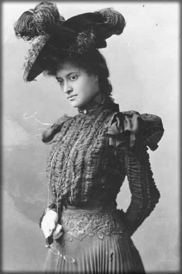Surfing Princess Kaiulani,San Fran Cisco, 1897. Image: Hawaii State Archives.