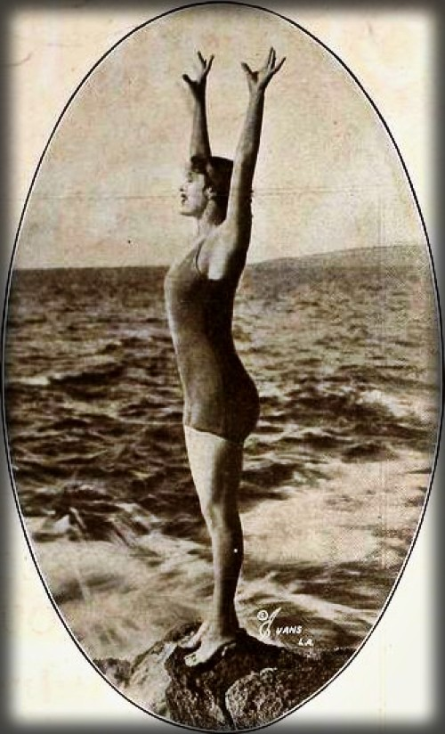 Annette Kellermann. Image: May 8, 1920 Motion Picture News.