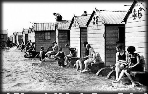 Victorian Seaside Images, Bathing Machines, c. early 1900s. Image: Library of Congress.