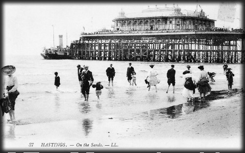 Hastings Pier, c. late 1800s-1900. Image: HastingsPierArchive.org.