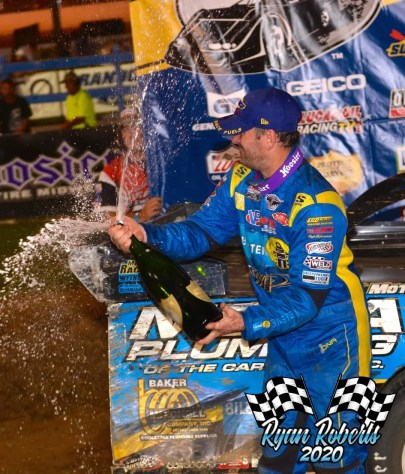 32 - McCreadie Wins North South - Roberts