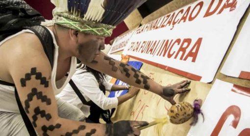 Resultado de imagem para Conselho Nacional de Direitos Humanos repudia relatório da CPI da Funai e Incra