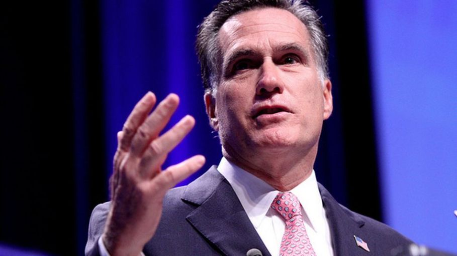 Mitt-romney-sees-sudden-unexplained-spike-in-twitter-followers-updated--db7ded3ead