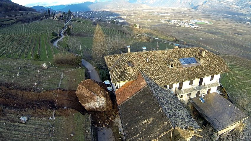 Giant-boulder-italy-5