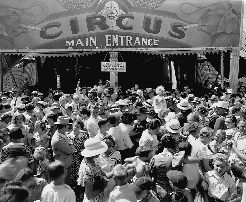A crowd in front of the main entrance to the Ringling Brothers & Barnum and Bailey Circus.