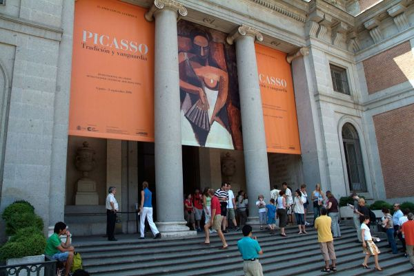 Travelers Pick Museums Enjoying Art And