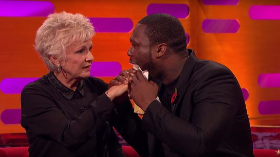 Julie_walters_feeling_50_cent_tongue
