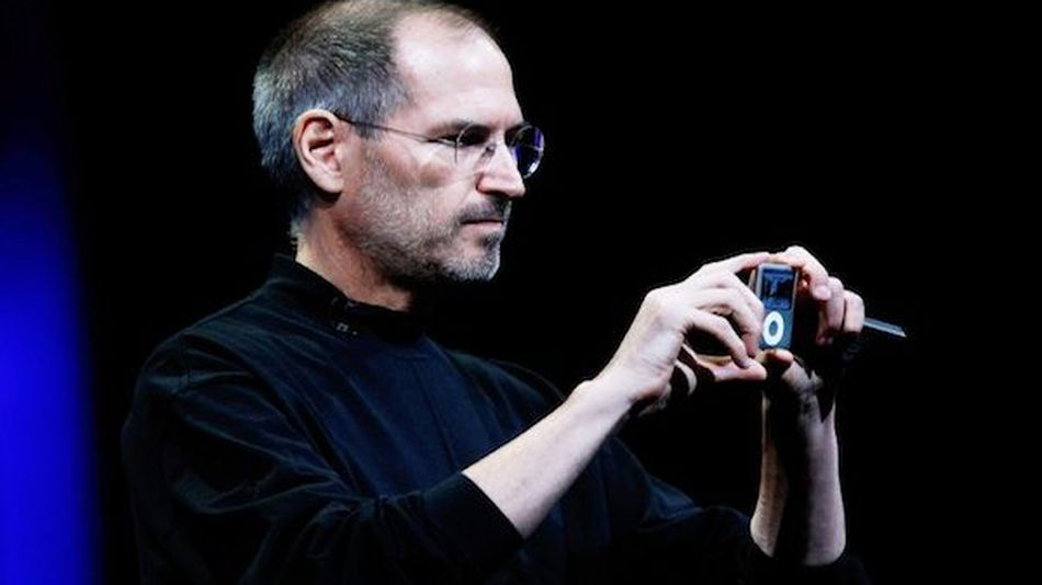 Design-the-steve-jobs-monument-coming-to-russia-ab6dd9fb42