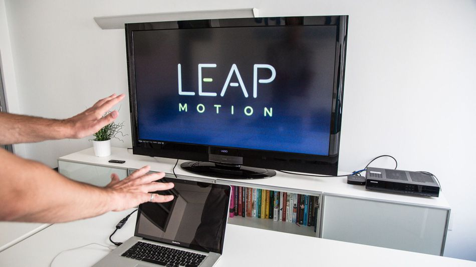 Leap Motion: Gesture Control Takes a Shaky Step Forward [REVIEW]