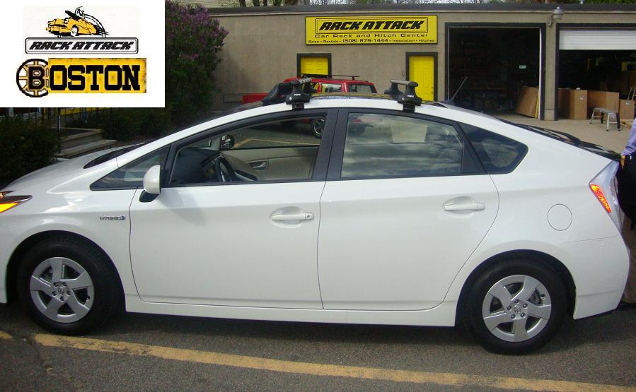 TOYOTA PRIUS WITH THE SOLAR PANEL ROOF  Thule 480R Rapid