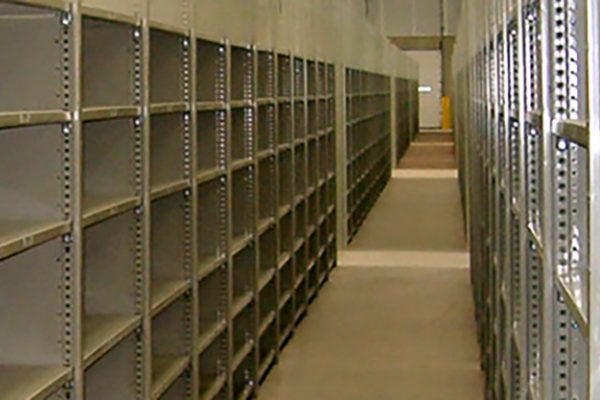 metal-shelving---enclosed-sides-and-backs_4